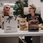 Foto reportaža: Mačak u knjigama