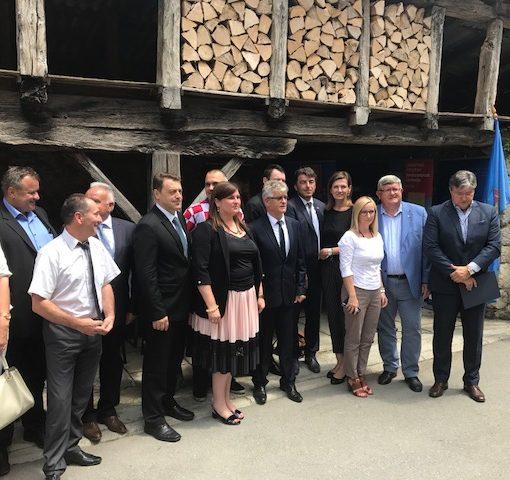 """Potpisan ugovor o dodjeli bespovratnih EU sredstava za projekt """"Revitalizacija kompleksa Benčić – Cigleni i T-objekt"""""""