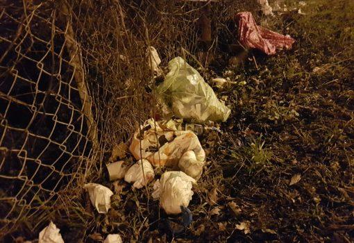 """Uz školu i vrtić: Pokakane pelene još uvijek """"krase"""" središte naselja"""