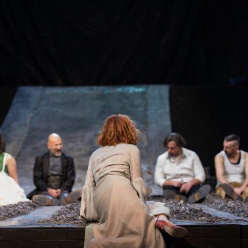 Predavanje Petera Eckersalla: Dramaturgija = suvremeno kazalište