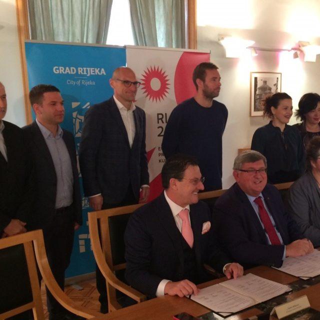 """Potpisan ugovor o suradnji HNK Rijeka i RIJEKA 2020 na programu """"One City: One Goal"""""""
