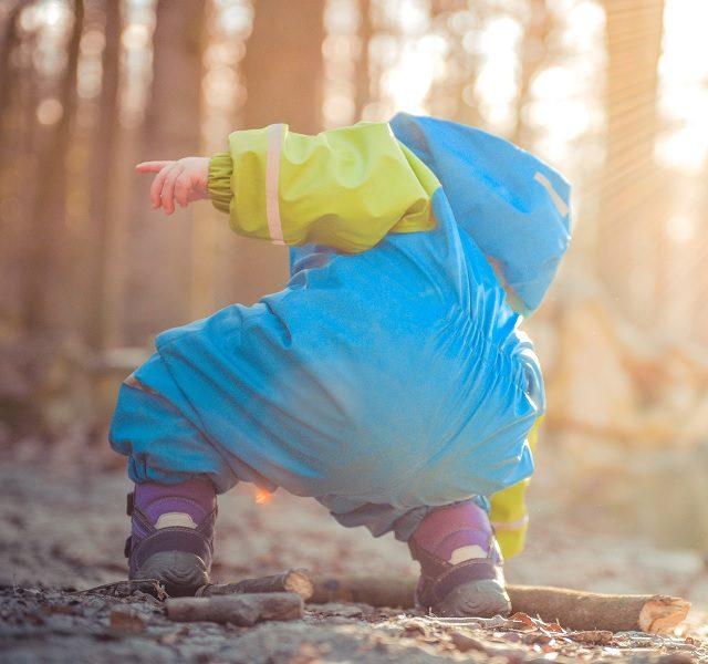 Igra je u improviziranju: Kamenčići, grančice, pijesak iliti ne trebaju vam plastične skupe igračke