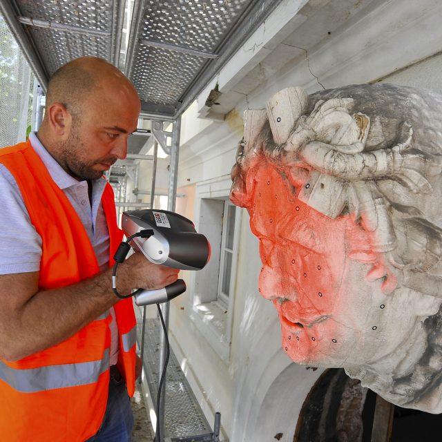 Skeniranje kamenih glava s pročelja palače Šećerane