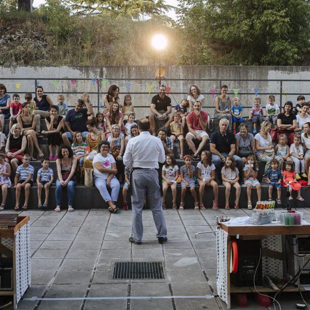 """Predstava """"Zvučna kuhinja"""" napunila  dvorište  Akademije primijenjenih umjetnosti"""